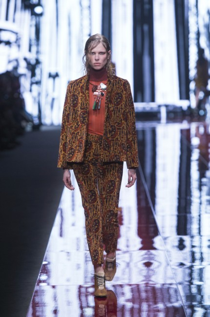 just-cavalli-milan-fashion-week-autumn-winter-2015-36