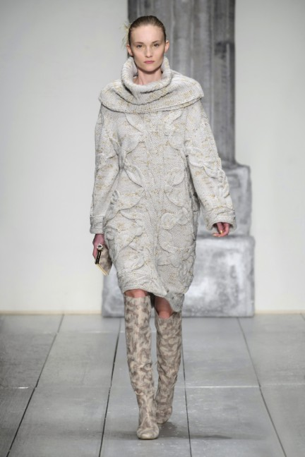 laura-biagiotti-milan-fashion-week-autumn-winter-2015-runway-39