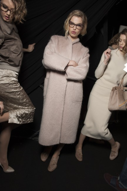 maxmara-milan-fashion-week-autumn-winter-2015-backstage-101