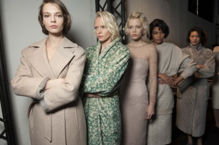 maxmara-milan-fashion-week-autumn-winter-2015-backstage-105