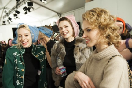maxmara-milan-fashion-week-autumn-winter-2015-backstage-27