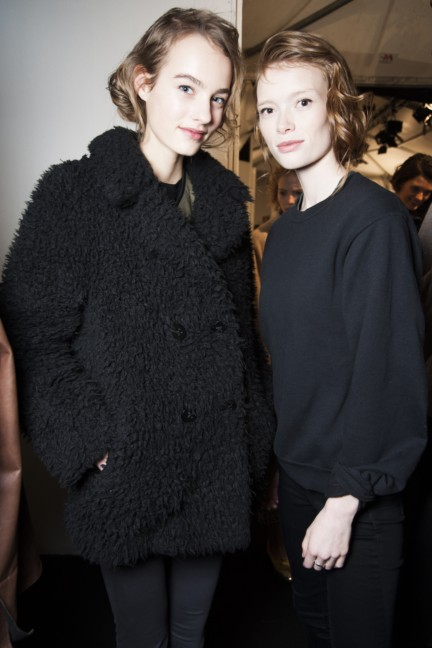 maxmara-milan-fashion-week-autumn-winter-2015-backstage-36