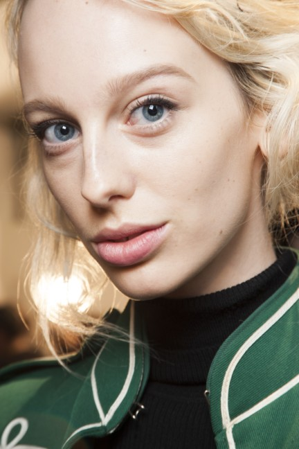 maxmara-milan-fashion-week-autumn-winter-2015-backstage-46