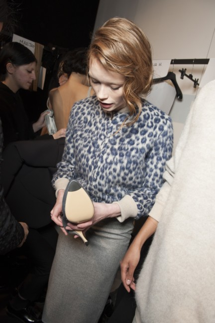 maxmara-milan-fashion-week-autumn-winter-2015-backstage-82