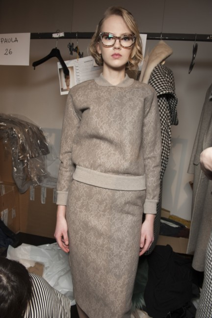 maxmara-milan-fashion-week-autumn-winter-2015-backstage-83