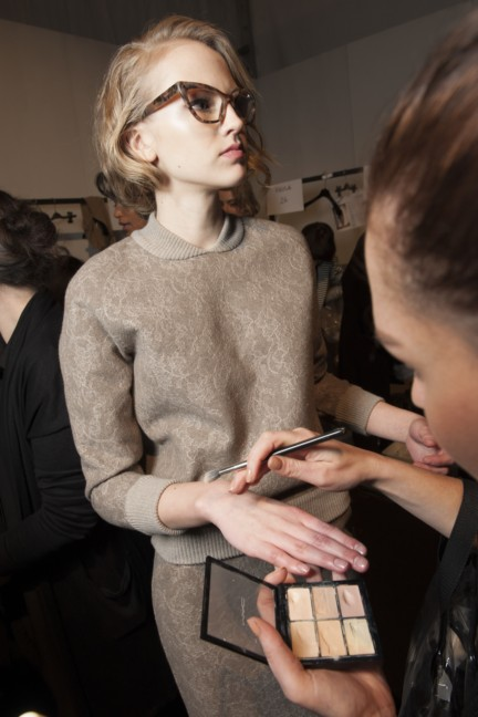 maxmara-milan-fashion-week-autumn-winter-2015-backstage-86