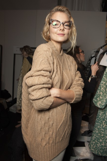 maxmara-milan-fashion-week-autumn-winter-2015-backstage-87
