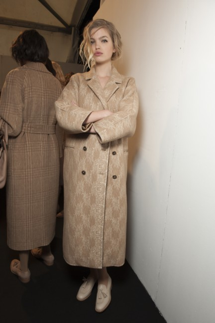 maxmara-milan-fashion-week-autumn-winter-2015-backstage-88