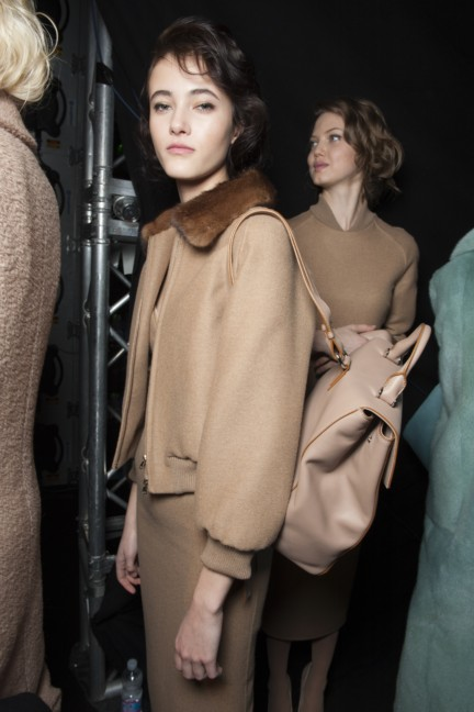 maxmara-milan-fashion-week-autumn-winter-2015-backstage-89