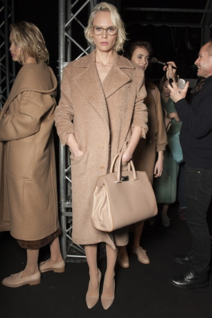maxmara-milan-fashion-week-autumn-winter-2015-backstage-91