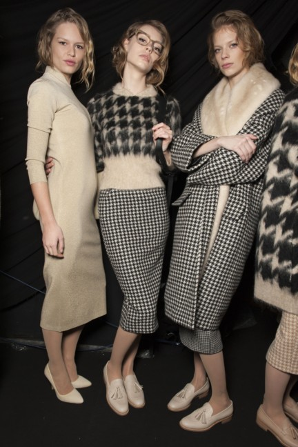 maxmara-milan-fashion-week-autumn-winter-2015-backstage-92