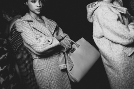 maxmara-milan-fashion-week-autumn-winter-2015-backstage-93