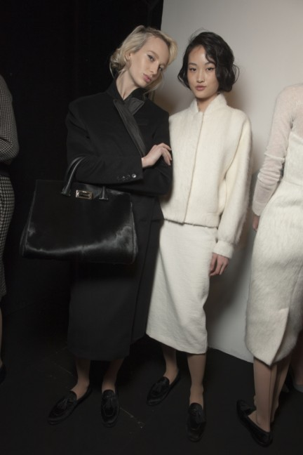 maxmara-milan-fashion-week-autumn-winter-2015-backstage-95