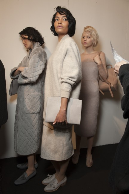 maxmara-milan-fashion-week-autumn-winter-2015-backstage-96