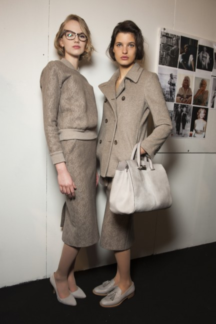 maxmara-milan-fashion-week-autumn-winter-2015-backstage-98
