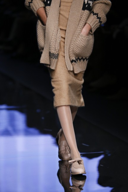 maxmara-milan-fashion-week-autumn-winter-2015-detail-16