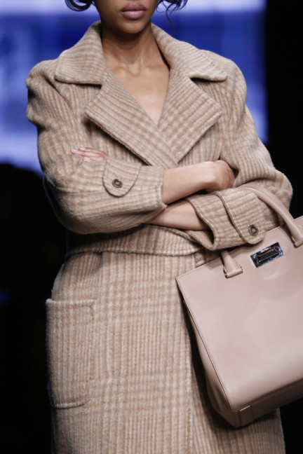 maxmara-milan-fashion-week-autumn-winter-2015-detail-35