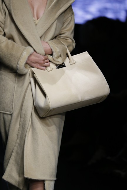 maxmara-milan-fashion-week-autumn-winter-2015-detail-95