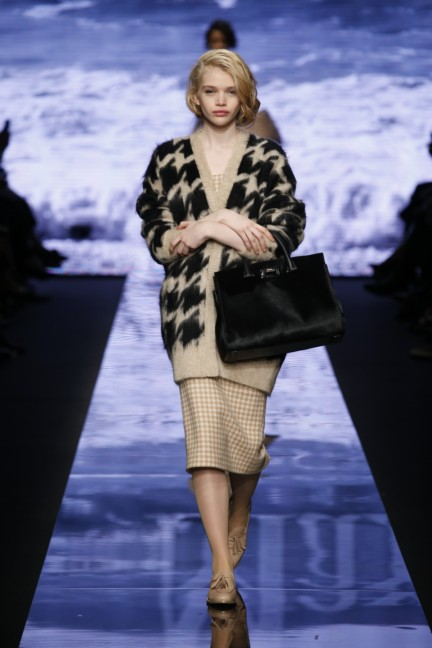maxmara-milan-fashion-week-autumn-winter-2015-runway-12