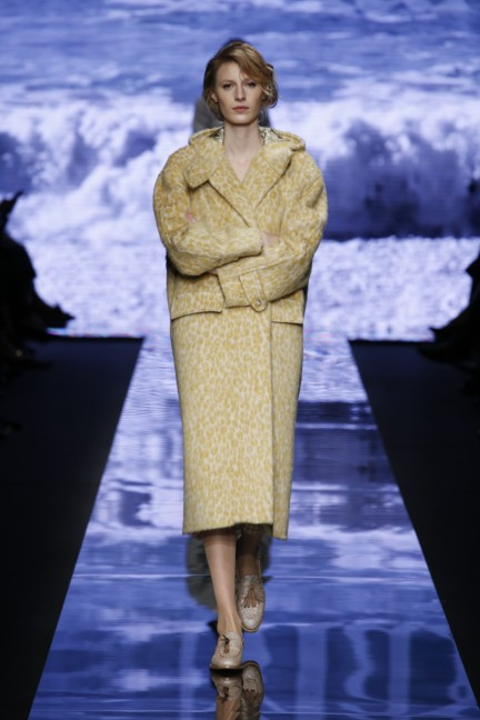 maxmara-milan-fashion-week-autumn-winter-2015-runway-14