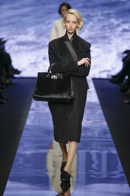 maxmara-milan-fashion-week-autumn-winter-2015-runway-16