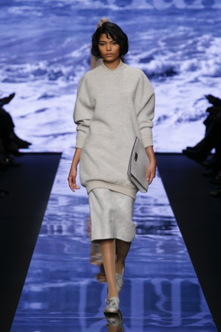 maxmara-milan-fashion-week-autumn-winter-2015-runway-22