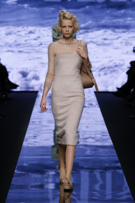 maxmara-milan-fashion-week-autumn-winter-2015-runway-23