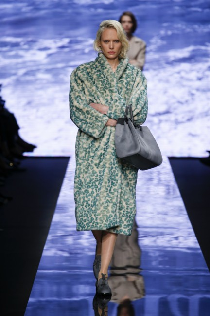 maxmara-milan-fashion-week-autumn-winter-2015-runway-24