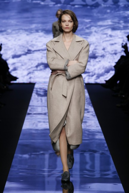 maxmara-milan-fashion-week-autumn-winter-2015-runway-25