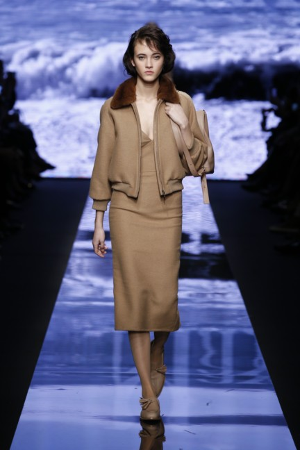 maxmara-milan-fashion-week-autumn-winter-2015-runway-3