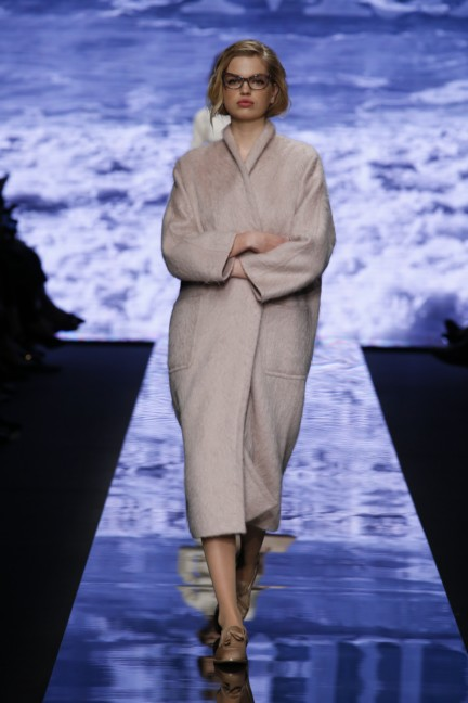 maxmara-milan-fashion-week-autumn-winter-2015-runway-30