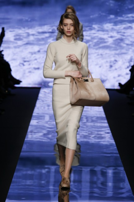 maxmara-milan-fashion-week-autumn-winter-2015-runway-31