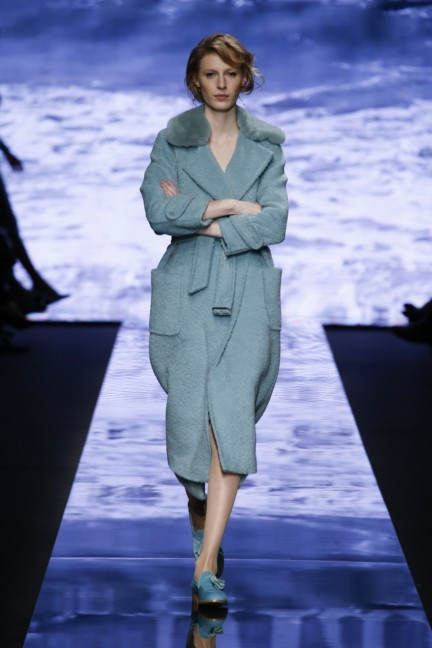 maxmara-milan-fashion-week-autumn-winter-2015-runway-34