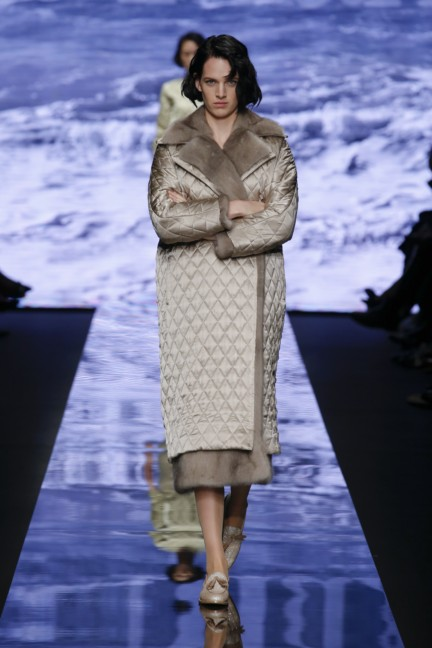 maxmara-milan-fashion-week-autumn-winter-2015-runway-38