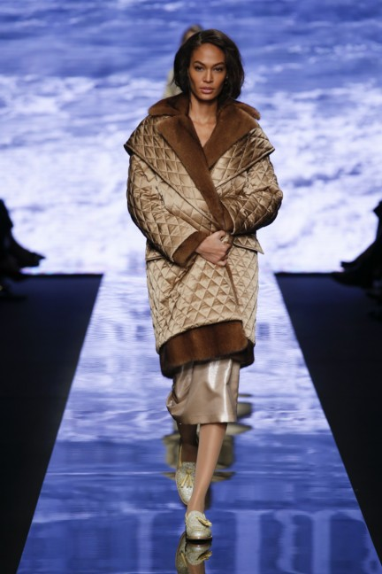 maxmara-milan-fashion-week-autumn-winter-2015-runway-40