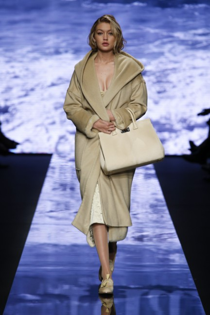 maxmara-milan-fashion-week-autumn-winter-2015-runway-41