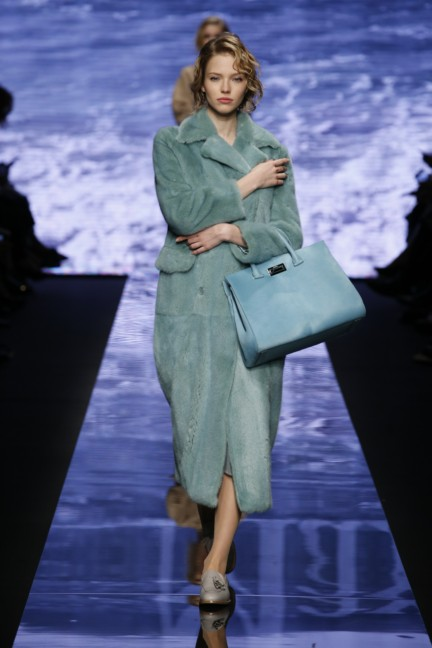 maxmara-milan-fashion-week-autumn-winter-2015-runway-5