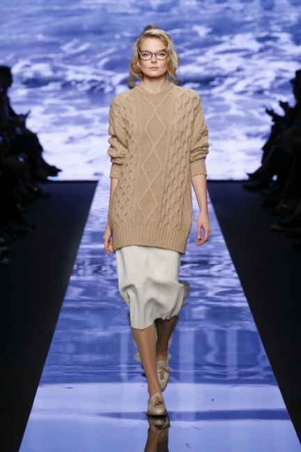maxmara-milan-fashion-week-autumn-winter-2015-runway-8