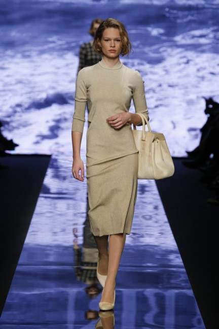 maxmara-milan-fashion-week-autumn-winter-2015-runway-9