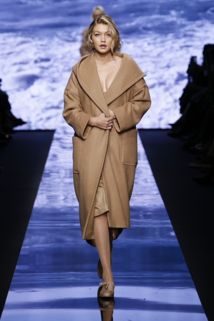 maxmara-milan-fashion-week-autumn-winter-2015-runway