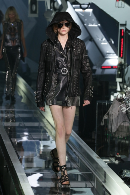 philipp-plein-milan-fashion-week-spring-summer-2016-11