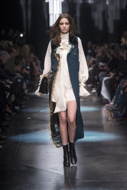roberto-cavalli-milan-fashion-week-autumn-winter-2015-15