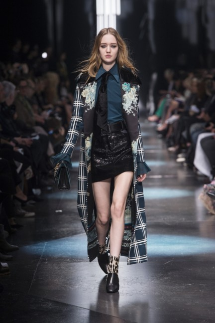 roberto-cavalli-milan-fashion-week-autumn-winter-2015-16
