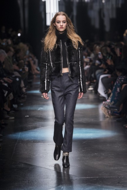 roberto-cavalli-milan-fashion-week-autumn-winter-2015-17
