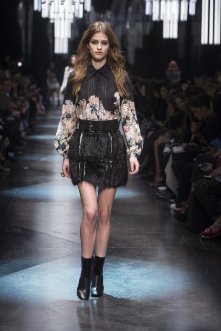 roberto-cavalli-milan-fashion-week-autumn-winter-2015-22