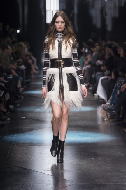 roberto-cavalli-milan-fashion-week-autumn-winter-2015-29