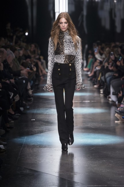 roberto-cavalli-milan-fashion-week-autumn-winter-2015-3