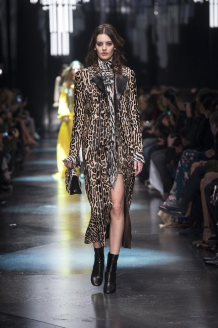 roberto-cavalli-milan-fashion-week-autumn-winter-2015-4