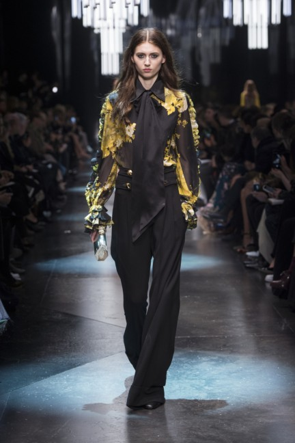 roberto-cavalli-milan-fashion-week-autumn-winter-2015-9