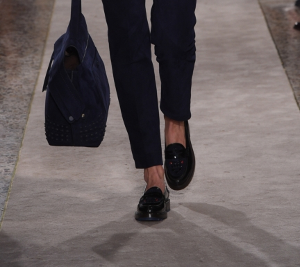 tods_close_up_shoes_09
